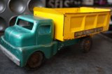 U.S. DUMP TRUCK STRUCTO GREEN&YELLOW