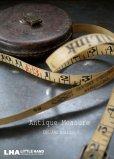 画像1: ENGLAND antique イギリスアンティーク CHESTERMAN レザーケース テープ メジャー 巻尺 66FT 1900-30's (1)