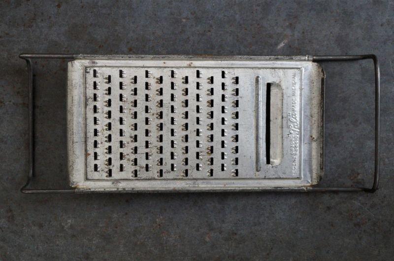 画像2: ENGLAND antique イギリスアンティーク Tala チーズグレーター おろし器 1940-60's
