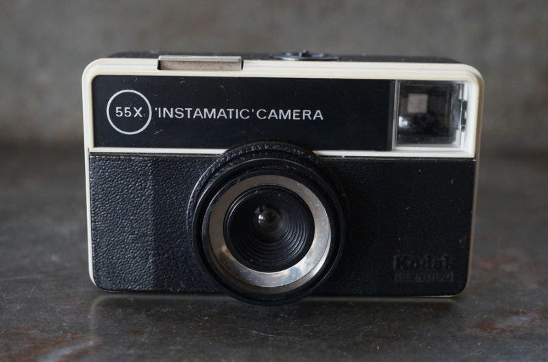 画像2: ENGLAND antique イギリスアンティーク KODAK 55X INSTAMATIC CAMERA  コダック カメラ ケース付き ヴィンテージ 1950-70's